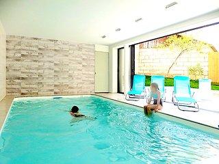 Gite avec piscine interieure