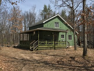New Listing! The Three Bears Cabin! Near Big Manistee 3 Bed/2 Bath