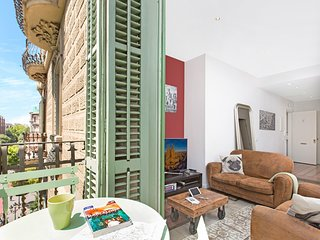 Super centric cosy apartment in Barcelona (Suite clara)