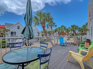 North Beach Village on Gulf Drive-700 ft to beach, large heated pool, free wifi