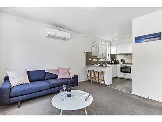 Spacious apartment within minutes of Acland Street