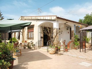 2 bedroom Villa in Ognina, Sicily, Italy : ref 5634049