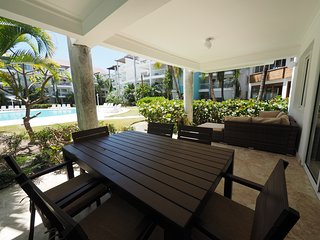Swim-Up Luxury Beach House 2 bedrooms, Playa Turquesa Ocean Club
