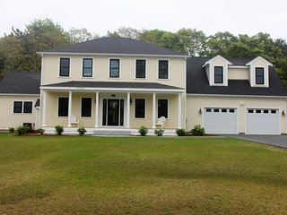 *BRAND NEW*HOT LOCATION*BIG LUXURIOUS  HOUSE*