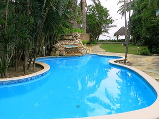 Luxury 4bd villa with pool directly on the famous surfer beach of Cabarete
