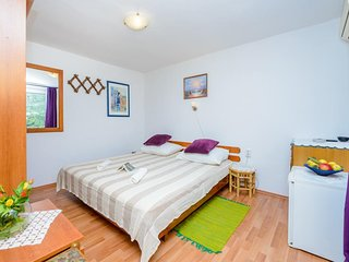 Apartments & Rooms Mihajica- Standard Double or Twin Room with Balcony and