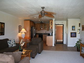 Keauhou Punahele E-102 Ground Floor, Spacious Lanai, Personal BBQ, VERY Quiet