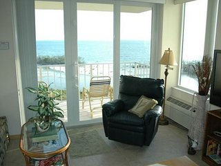 Tired of the Cold? Relax - Full Gulf Front Views 605 A