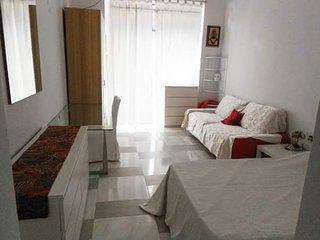 Grande stanza privata - Stylish white room Milano a 7 minuti dal Duomo