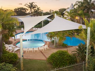 Apartment 23, Poolside Golf Resort – Bunbury, sleeps 4
