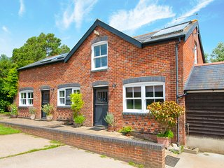 IC160 Cottage situated in Alverstone