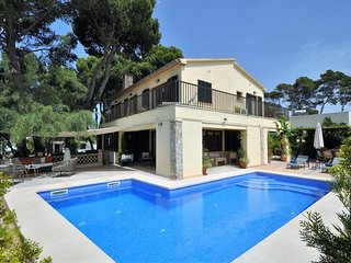 VILLA MERCEDES- Chalet 9 pax Cala Estancia, Mallorca. 4 bedrooms Private pool. -