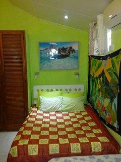 Chambre virginie trois places clim et ventilateur