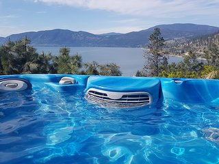 jacuzzi to  enjoy with magnificent view