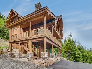 Stoneridge Retreat-Stunning Views!! Beautiful Private Log Cabin-Hot Tub