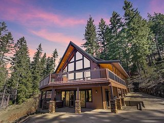 Private Private Mountain Home w/ AMAZING VIEWS! Hot Tub, Nr Lake Cle Elum