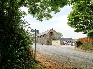 THE CORN LOFT, family friendly, character holiday cottage, with a garden in Have