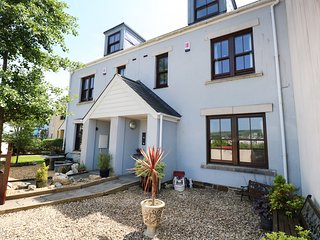5 CHANDLERS YARD, overlooking harbour, in Burry Port