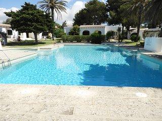 Apartamento con piscina comunitaria, WiFi gratis
