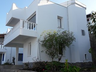 VILLA WITH EXCEPTIONAL PANORAMIC VIEW