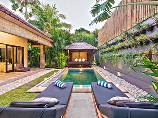 Saudara Villas / Saudara 1 / 100m to Seminyak Beach. Includes Full-Time Butler!