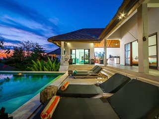 3 BR Exclusive Villa Michiko with Breakfast