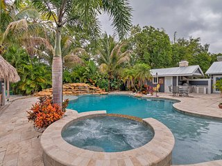 NEW! Nokomis Home w/Pool, Tiki Bar, Pier, & Dock!