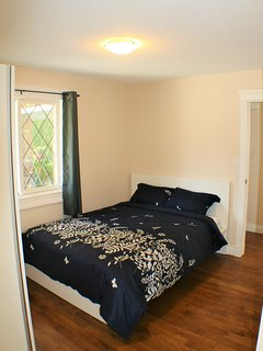 2ND GUEST BEDROOM WITH QUEEN SIZE BED, 12 INCH COOL GEL MEMORY FOAM MATTRESS, MEMORY FIBER PILLOWS