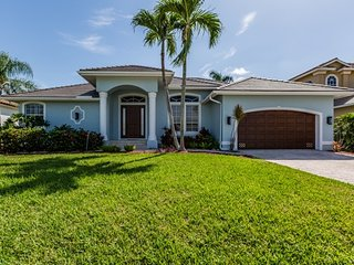 Seahorse Ct - SEAHRS231 - Handsome Waterfront w/Boatlift!