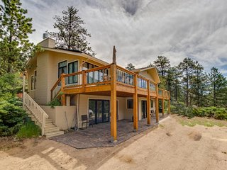 NEW LISTING! Luxury, eco-friendly home on Fall River-near town & national park