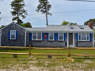 4 bedroom home less than a mile to the beach