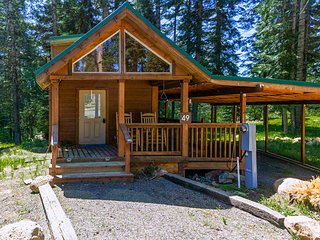 #49 Hyatt Lake Cabin - Sleeps 3 - Private Cabin