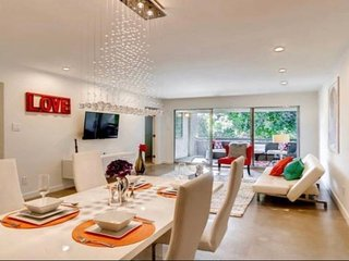 Heart of Old Town Scottsdale - Modern Luxury Palace