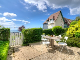2 bedroom Apartment in Blonville-sur-Mer, Normandy, France : ref 5046542