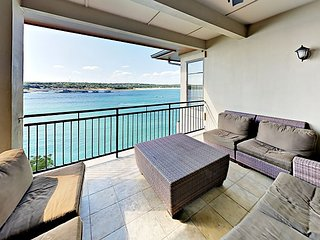 Expansive Lake Travis Views! All-Suite 3BR + Loft