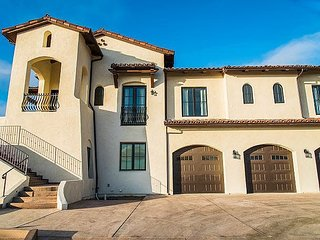 Palatial Spanish Style 5BR - 11 Acres w/ Mountain & Ocean Vistas