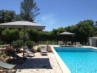 L'oliveraie - Bel appartement independant dans villa avec piscine