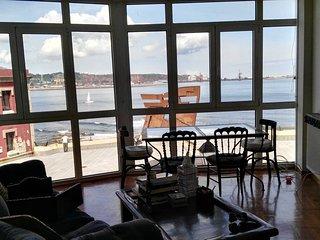 Precioso piso de 2 dormitorios con vistas al mar desde todas las habitaciones