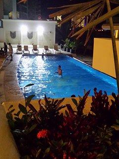 nuova (dicembre 2017) piscina di notte