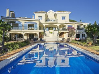 Luxury Sea View Villa with Private Pool, Garden, Cinema Room & Pool Bar
