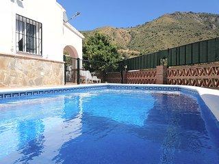 Nerja Casa rural con piscina y barbacoa