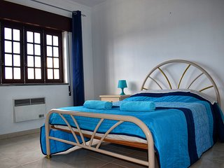Double Room With Private Shower | Supertubos Surf & Stay