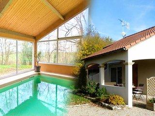L'orée des buis***  maison de vacances & piscine 4 saisons proche du Futuroscope