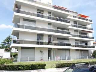 2 bedroom Apartment in Royan, Nouvelle-Aquitaine, France : ref 5046802