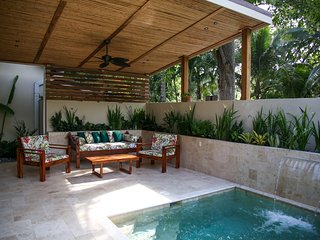 Brand new modern 2 en-suite house with a private pool, next to the beach!