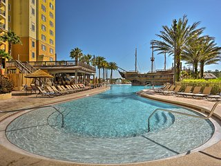 NEW! Resort Condo w/Patio-5 Mins from Disney World