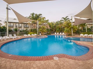 Apartment 20, Fairway Views Golf Resort – Bunbury, sleeps 4