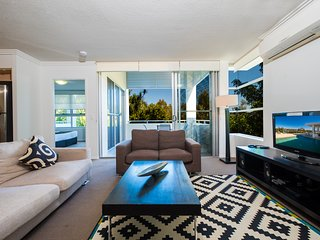 Walk To Bond University & The Chancellor Centre Varsity Lakes 2 Bedroom Apt