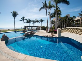 BEACHFRONT & POOLSIDE - LAS MANANITAS LUXURY - Phase 1 - 3 Bedroom & 3 Bathroom