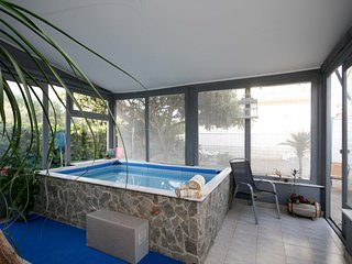 Holiday House Kala with Indoor Pool